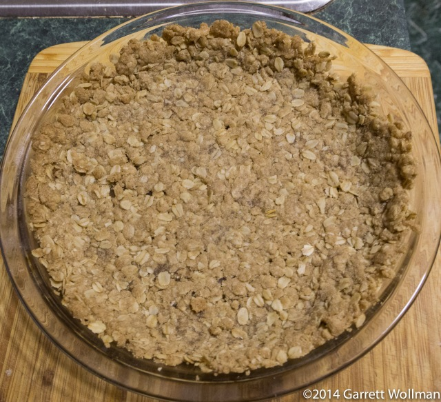Baked oat crumble crust