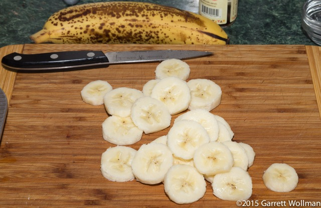 Sliced banana for top