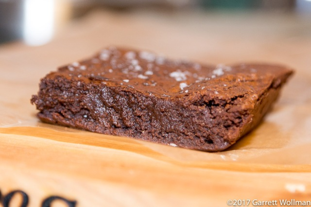 Single brownie, edge on