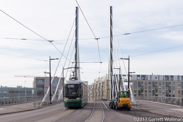 The 8 tram and Länsisatamankatu traverse this cute little cable-stayed bridge